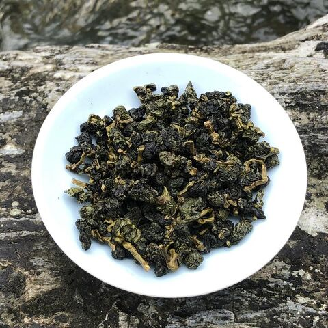 Spring Pear Mountain Oolong